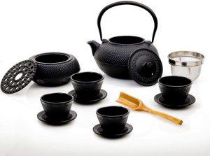 Tee-Service gusseisern mit Teekanne, Stövchen etc