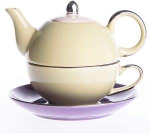 Tea for One Set von Artvigor beige lila